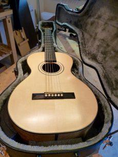 Guitare Otge Parlor