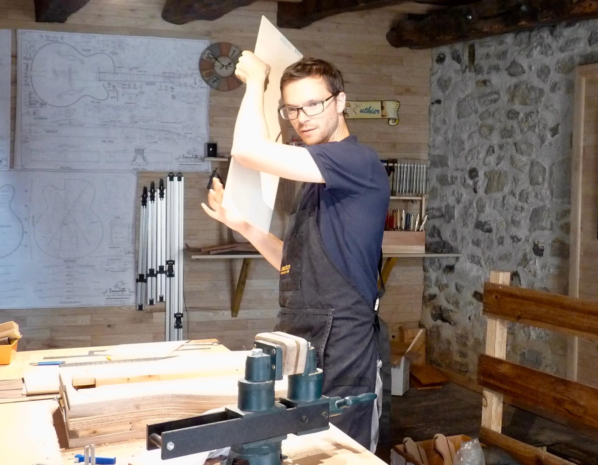 Le luthier Jean-Rémy Otge.